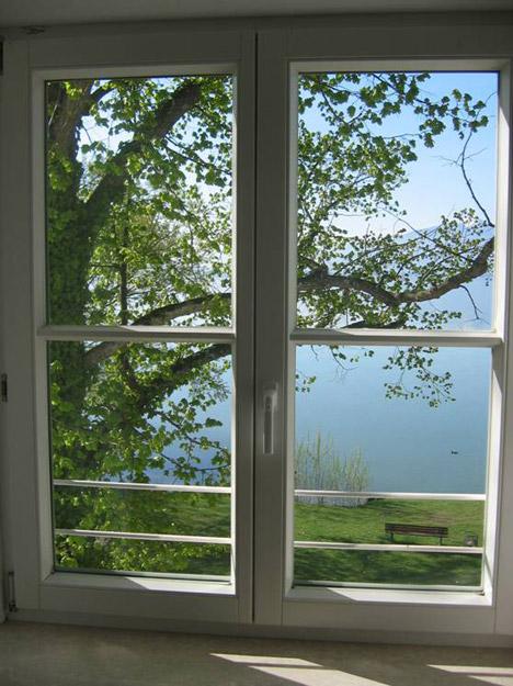 Blick aus dem Fenster des Zimmers im Kloster auf den Chiemsee